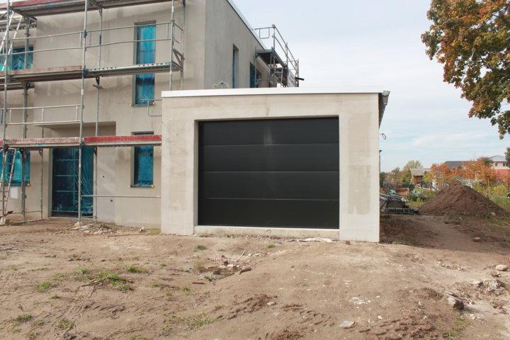 Garagentor einbauen garagentor einbauen umbau sanierung garagentor einbauen t ren und fenster - Einbau fenster klinkerfassade ...